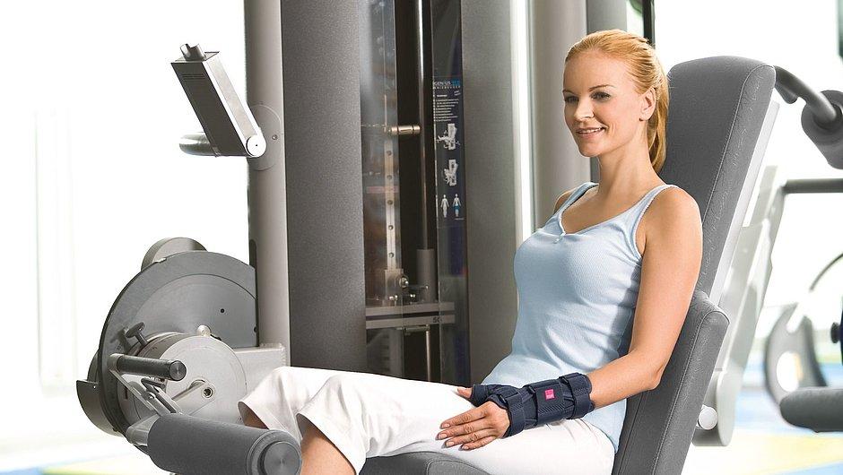 Manumed T wrist braces medi woman fitness center